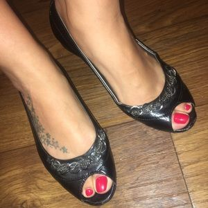 Peep toe flats with chain detail